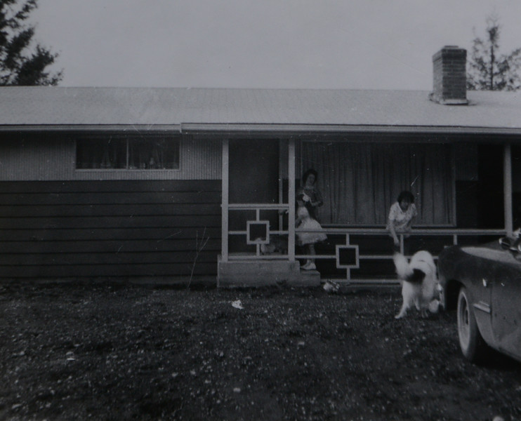 Joan Lillian Huff (née Thurston), Patricia JoAnn Huff,  Michelle L. Thurston (née Sahenin), and dog Bronco at Kent, Washington home, Oct 5, 1961