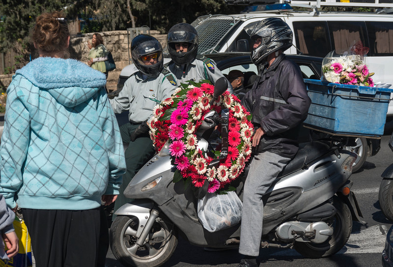 driving with wreaths to Mount Herzl Cemetery<br /> <br /> Memorial Day for Fallen Soldiers<br /> Jerusalem