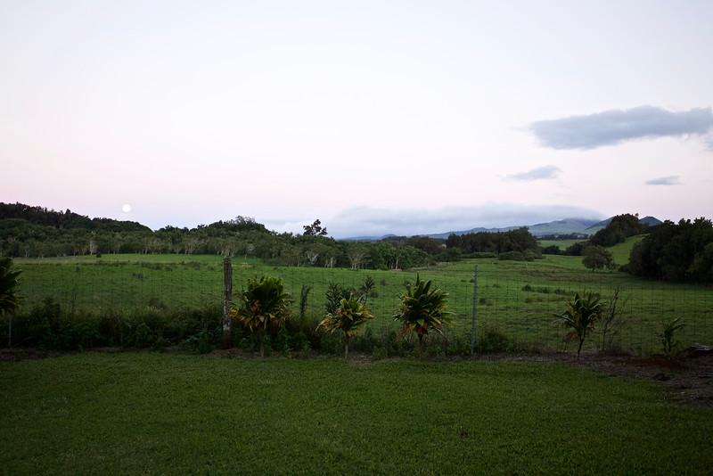 Moonrise at Puu Pueo.