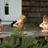 eating alfresco, au naturel