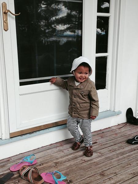 Baye  at the door.