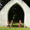 Makeda, Anahita and Clio beneath the arch at Kadahikiola.