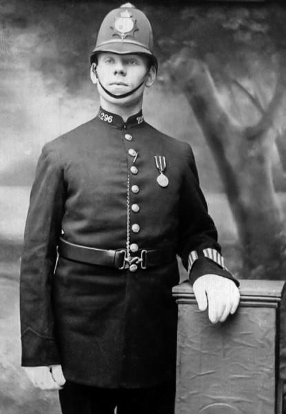 Arthur Hogg, 1912