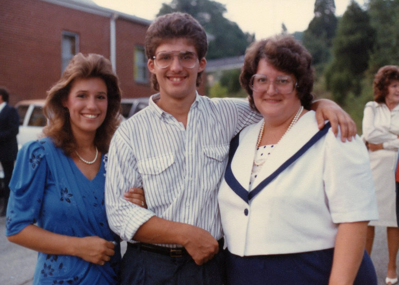 DeeDee, Marty and Lois