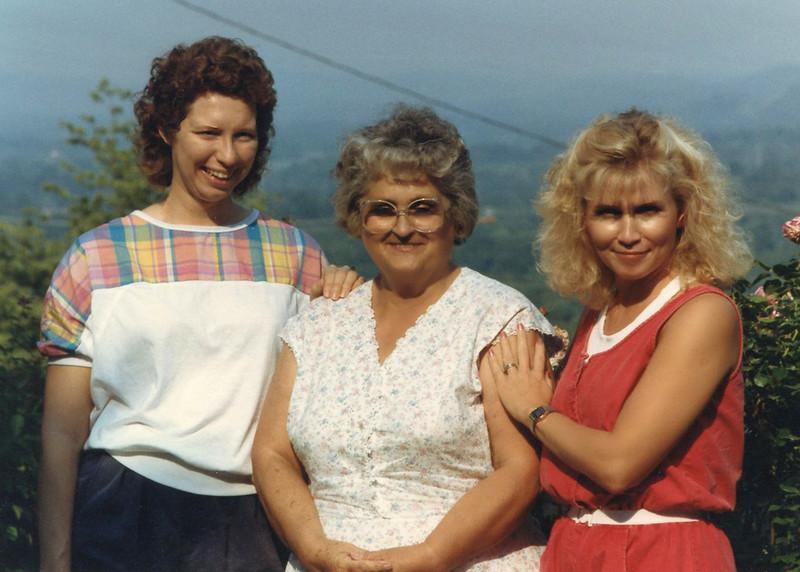 David's wife Sharon, Mom Beeler and Martha