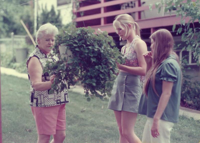 Aunt Ila, and Martha