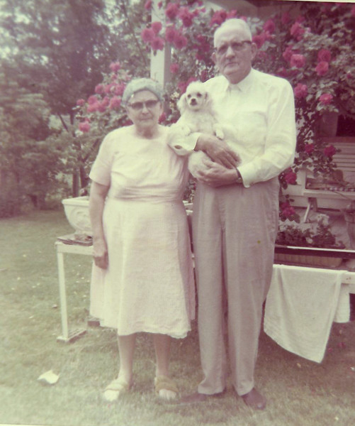 Paw and Maw Waggoner, Magnolia Beeler's mom and dad