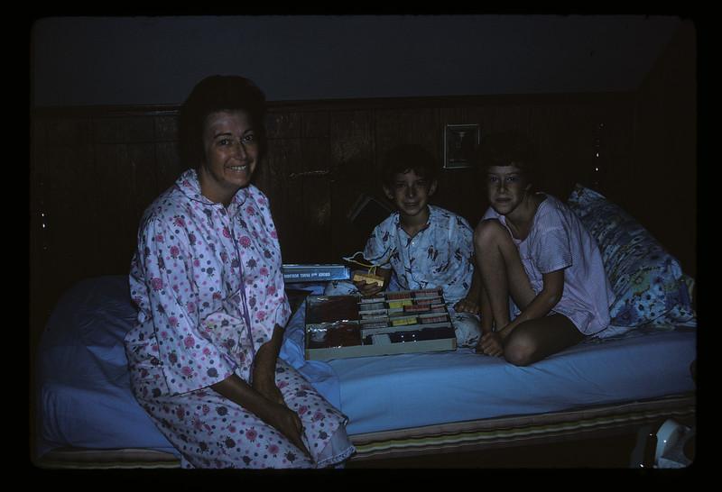 1966 Family_3108.jpg