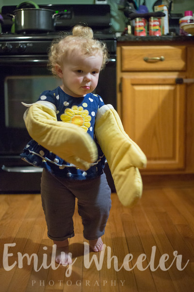 Day 282 | October 8th<br /> She ran around with the oven mitts on her hands for a good chunk of time.