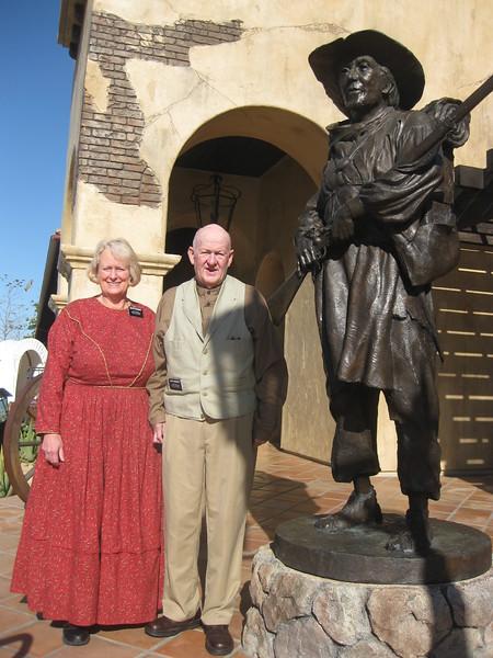 4716- Elder & Sister Woodbury at Mormon Battalion Historic Site