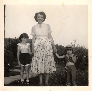 1956_mom_barb_grandma