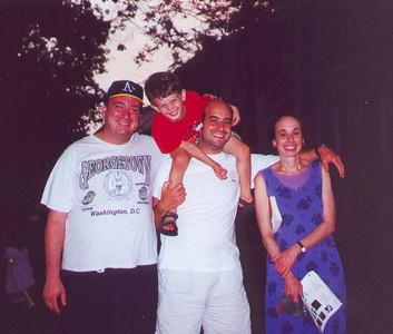 Josh, Yoni, Doron, and Rena Krakow.  Teaneck NJ, June 2000