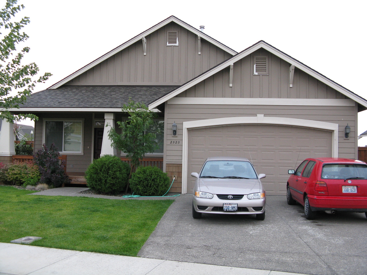 On September 20, Mary and Martin went to Ellensburg with Kevin to help him move into his new room.  The tan car on the left is Kevin's new (to him but used) Corolla.