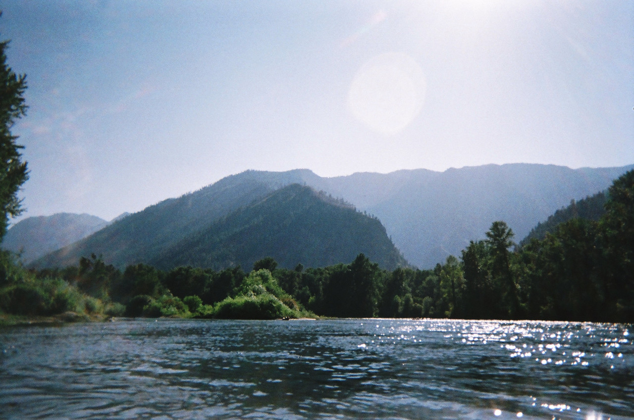 Another look back up the Wenatchee RIver.