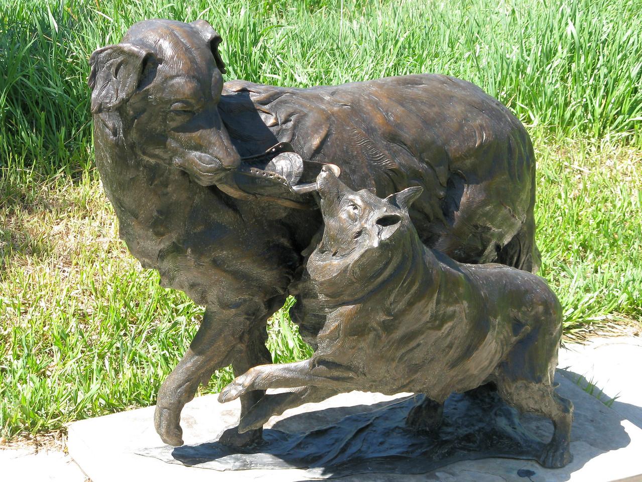 12-05-04 Sculp 046
