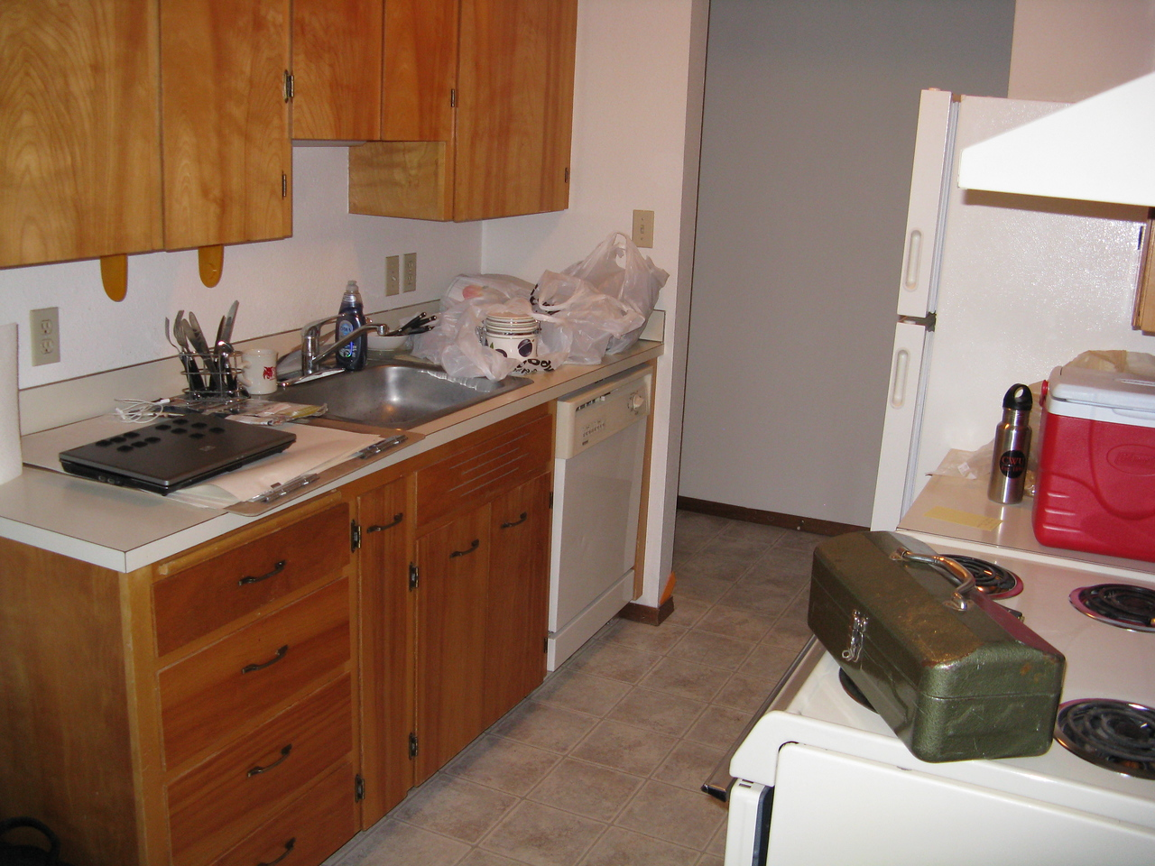 Kevin liked the kitchen because it has a dishwasher.