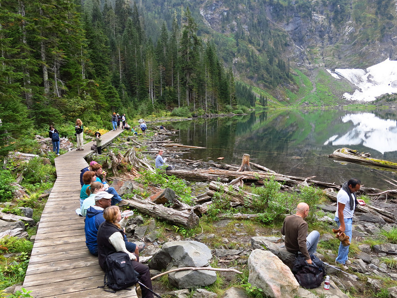 The east bank of Lake Twenty-two with lots of hikers.