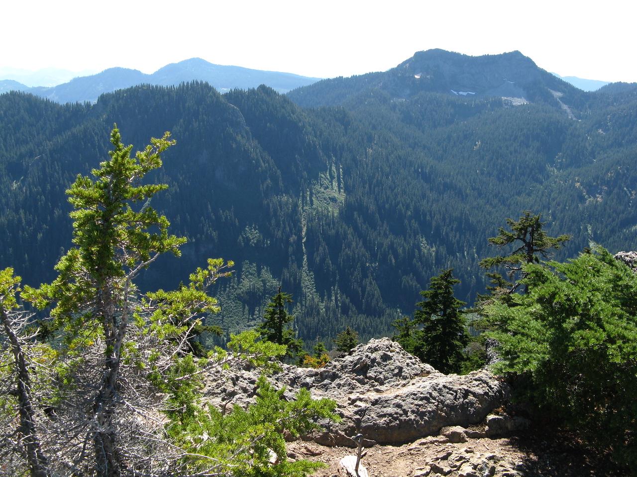 2012-09-02 Mt Cath 042