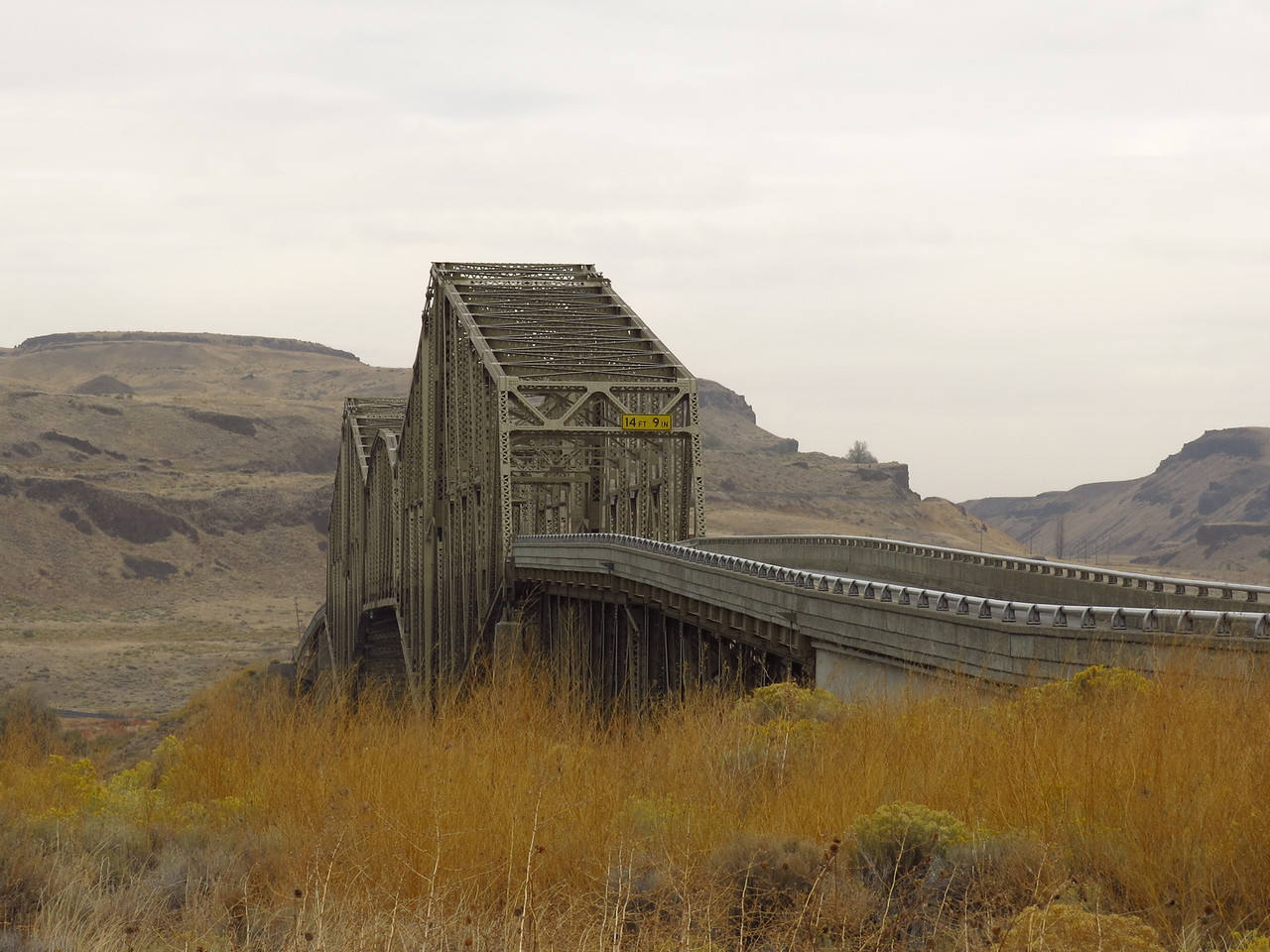 The highway bridge at Lyons Ferry, seen from the south side of the river.  We crossed the bridge and headed north on Washington 261 to the turn-off for Palouse Falls.