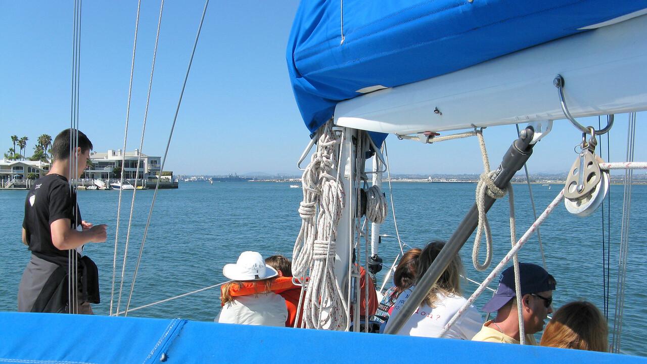 12-07-01 Sail 002