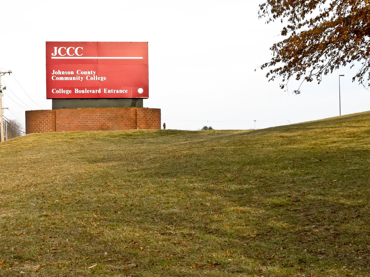 Johnson County Community College in Overland Park, Kansas, offers the railroad course that Nathan is taking.