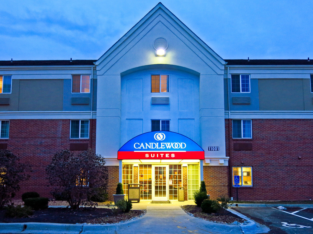 Nathan is staying at the Candlewood Suites in Overland Park.  It is about 0.5 mile from the building where he has classes at JCCC.