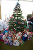 2009 tree and gifts