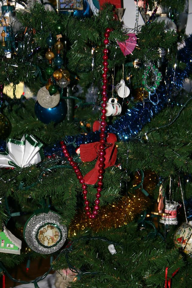 2007 tree close-up