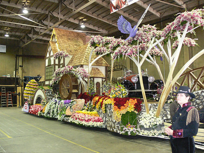 2008 Rose Parade Float prep