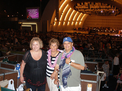 Tracey, Mom & Larry at the Bowl!
