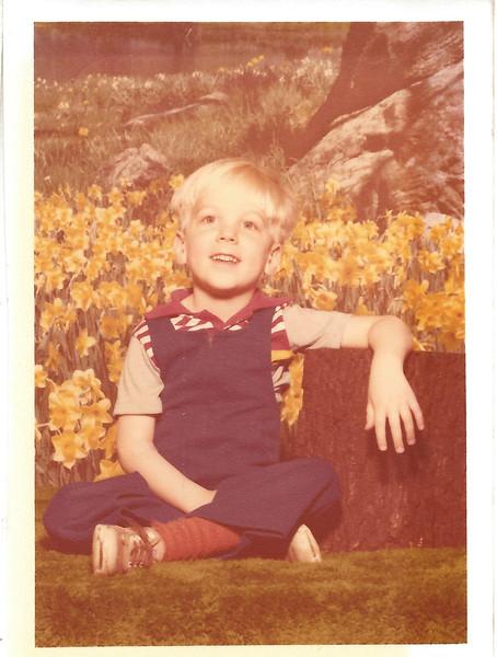 1977+doug-1652401029-O