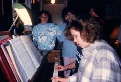 Cindy Kirkham, Kathy Mills