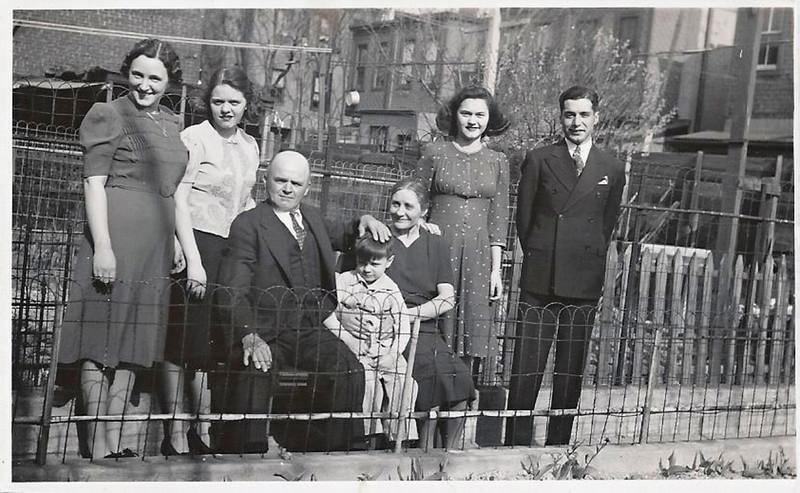 Donato Bongiovanni and his family/Donato Bongiovanni e la sua famiglia