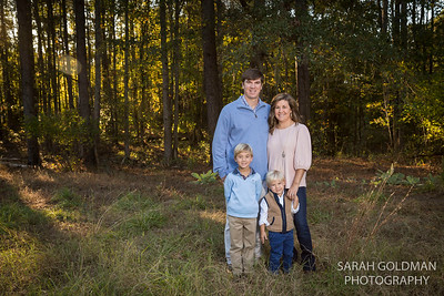 Family Photos in the woods Virginia