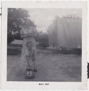 19 - Lura, Willie Kate 1957