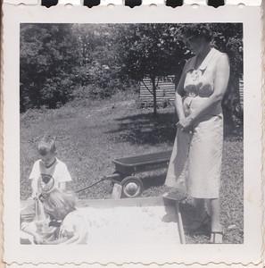 11 - Lura, Tracy, Aunt Eunice
