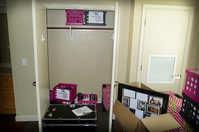 Nice HUGE closet!!