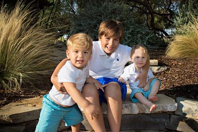April Cavess Family Portrait-101