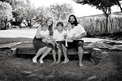 April Cavness Family Portrait_BW-117