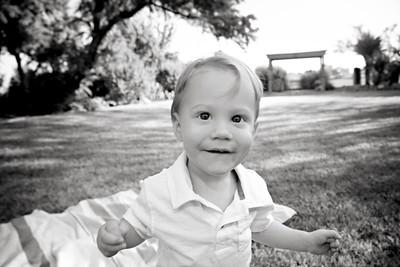April Cavness Family Portrait_BW-104