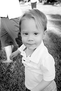 April Cavness Family Portrait_BW-111