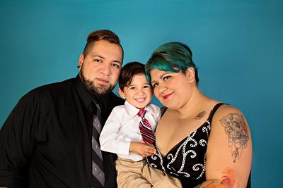 Mendias Family 082015-CLR-102