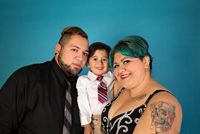 Mendias Family 082015-CLR-101