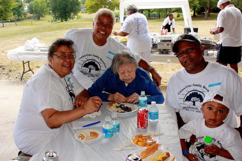 The Cruz and Crews Family Reunion 2009 026