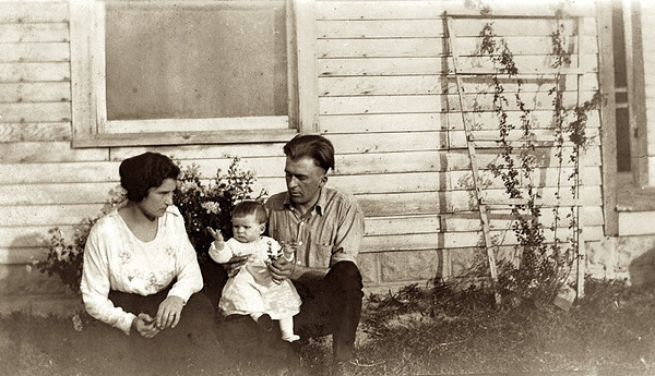 L to R Maybelle Crall (1897-1989), Virginia Schaaf (1922-2009), Harry Loyd Schaaf (1897-1933) at Crall Farm in Spencerville, IN in 1922