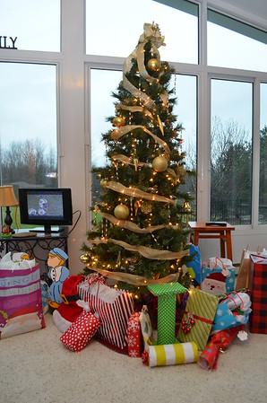O'Christmas tree,  O'Christmas tree...