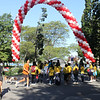 the balloon arch at the start of the walk