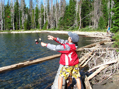 cascadelakesfishingSept09 010