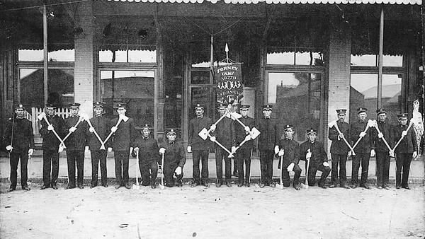 My Grandpa Isaac (Ikey) Ethelburt Howell is on the rar right