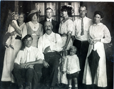 "Wasson Family, 1913 . Faye Wasson (baby); Annie Smith, ""Genevieve"" , ""Edgar"", ""Aunt Mrytle"", Roy Vern Wasson, Matilda McCulogh,  ""Uncle Bob"",  Joseph Wasson, Ralph Wasson (toddler)"